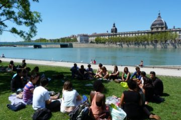 Learn French in France during summer