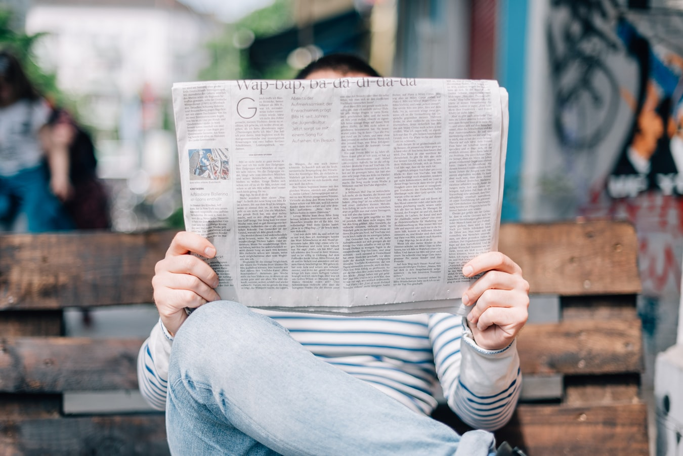 Read French newspapers